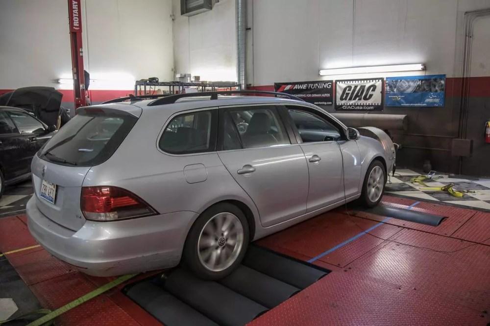 medium resolution of 02 volkswagen jetta sportwagen 2013 exterior rear angle silver