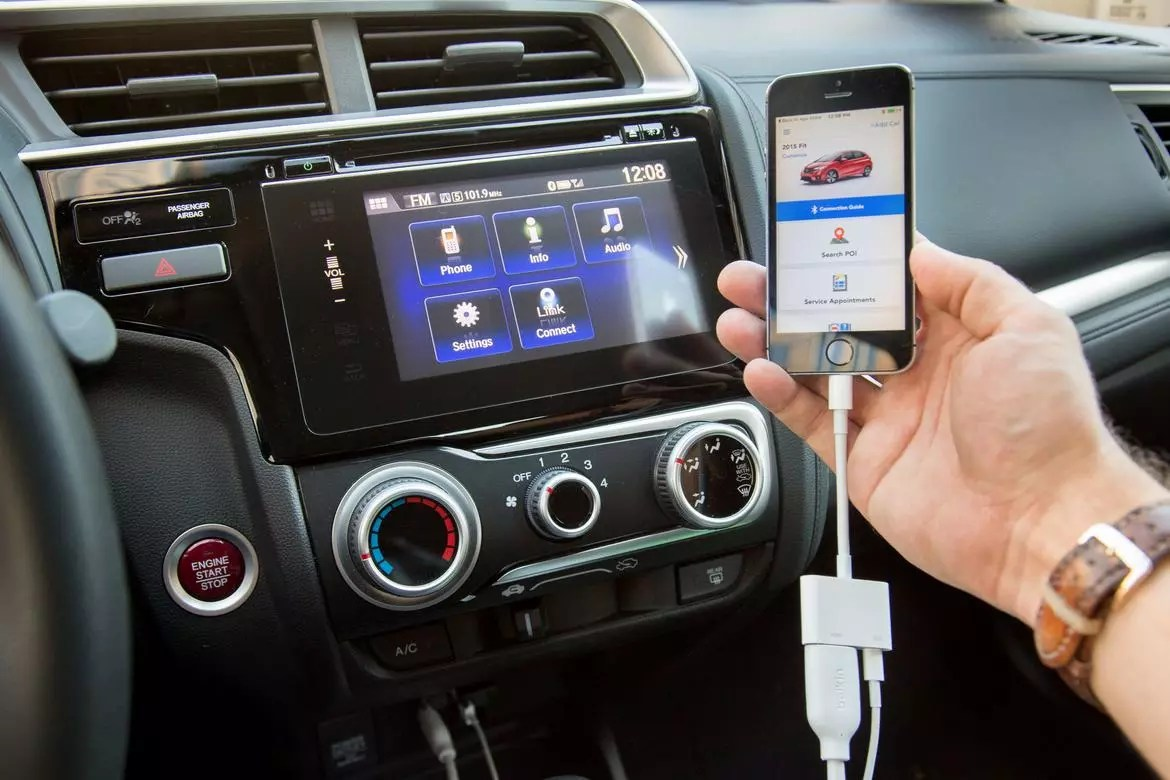 Honda Fits HondaLink Problem Caused By Faulty Apple