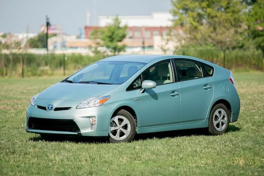 2012 Toyota Prius Specs Pictures Trims Colors Cars Com