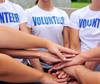 #AskNavracsics: dì la tua su come aiutare i giovani a impegnarsi nelle loro comunità locali