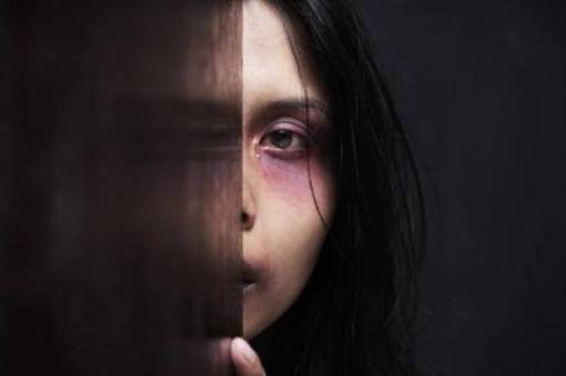 Con le donne: il bando per prevenire e contrastare la violenza di genere