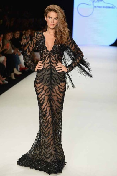 ISTANBUL, TURKEY - OCTOBER 12: Tulin Sahin walks the runway at the Rasit Bagzibagli show during Mercedes-Benz Fashion Week Istanbul at Zorlu Center on October 12, 2016 in Istanbul, Turkey. (Photo by Levent Kulu/Getty Images for IMG)