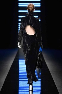 MILAN, ITALY - FEBRUARY 23: A model walks the runway at the Anteprima show during Milan Fashion Week Fall/Winter 2017/18 on February 23, 2017 in Milan, Italy. (Photo by Pietro D'Aprano/Getty Images for Anteprima)