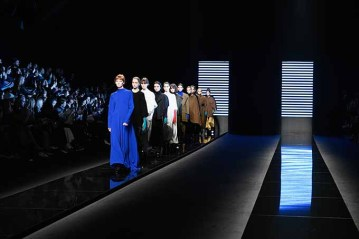 MILAN, ITALY - FEBRUARY 23: Models walk the runway at the Anteprima show during Milan Fashion Week Fall/Winter 2017/18 on February 23, 2017 in Milan, Italy. (Photo by Pietro D'Aprano/Getty Images for Anteprima)