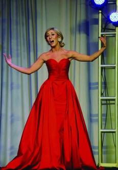 Eliza Lynne Kanner performs her talent.