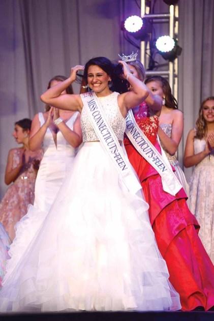Brooke Cyr is crowned.