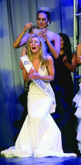 Eliza Lynne Kanner is crowned Miss Connecticut.