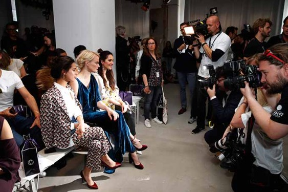 BERLIN, GERMANY - JULY 04: Gizem Emre, Franziska Knuppe and Johanna Klum attend the Laurel show during the Mercedes-Benz Fashion Week Berlin Spring/Summer 2018 at Kaufhaus Jandorf on July 4, 2017 in Berlin, Germany. (Photo by Franziska Krug/Getty Images for Laurel) *** Local Caption *** Gizem Emre;Franziska Knuppe;Johanna Klum