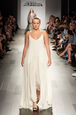 Kylie Frink walks for designer Kentaro Kameyama during the 16th cycle of 'Project Runway.'