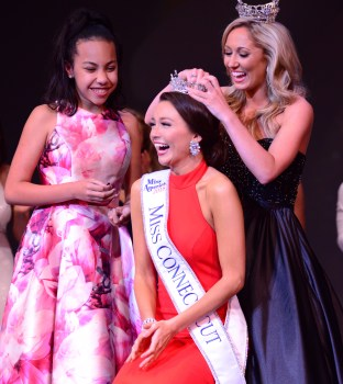 Bridget Oei is crowned as the new Miss Connecticut.