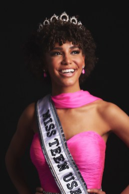 Kaliegh Garris, Miss Connecticut TEEN USA 2019, is crowned the new Miss Teen USA at the conclusion of the special programming event from Grand Sierra Resort and CasinoÕs (GSR) Grand Theatre on Sunday, April 28. The new winner will become a spokesperson for various causes alongside The Miss Universe Organization. HO/The Miss Universe Organization -- RETOUCHED --