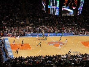 """The Knicks on the attack- which was just as well, as their """"defense"""" was useless!"""
