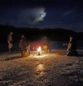 https://i0.wp.com/www.ctfisherman.com/feb09pics/night-ice.jpg?resize=278%2C288