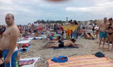 40 de adolescenți, contacți ai unui tânăr confirmat COVID-19, cazați într-un complex turistic din Costinesti
