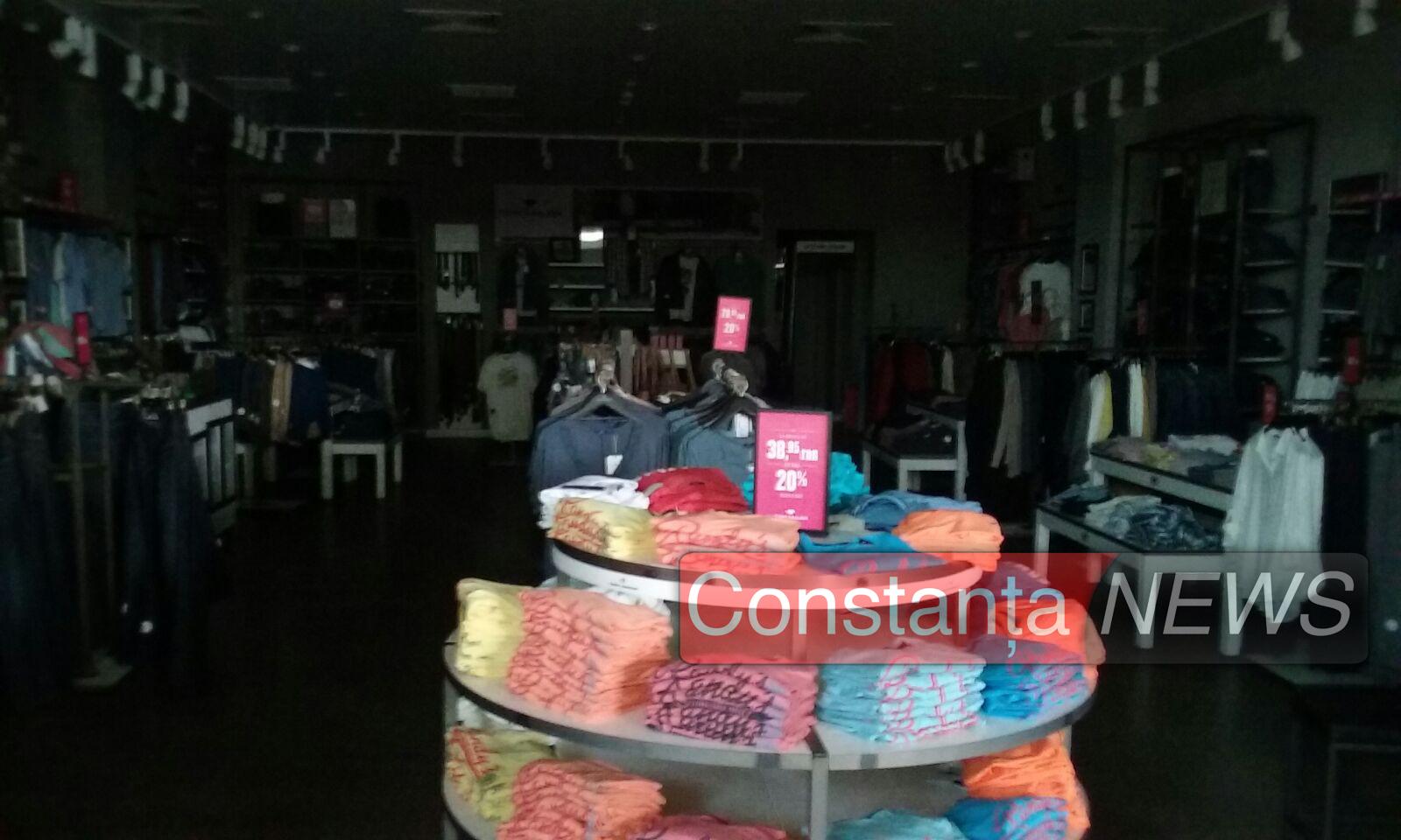 Pana de curent a lăsat magazinele goale. FOTO ctnews.ro