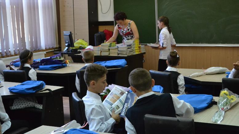 Școala din Peștera e un contraexemplu. Învățământul este gratuit! FOTO Adrian Boioglu