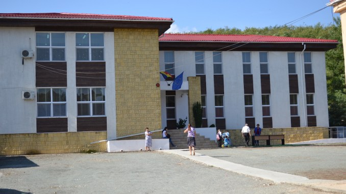 Școala din Peștera. FOTO Adrian Boioglu