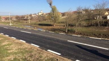 Drumul asfaltat de la Izvoru Mare, Peștera. FOTO Adrian Boioglu