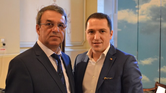 Contraamiralul Vergil Chițac și Mihai Tararache. FOTO Adrian Boioglu