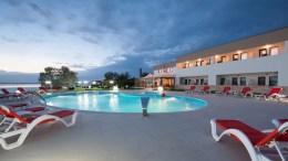 Piscina hotelului GG Gociman din Mamaia așteaptă oaspeții din Rusia