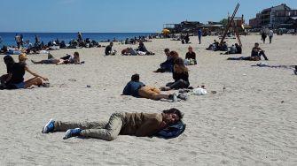 Pe plajă se doarme bine în Vama Veche