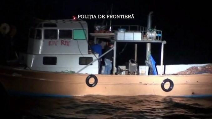 Braconierii turci au fost prinși de Garda de Coastă