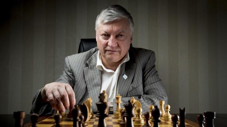 Anatoly Karpov vine la Constanța. FOTO maestriaenelajedrez.wordpress.com