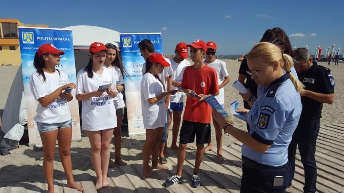 Polițiștii, în campanie pe plajă