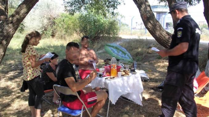 Jandarmii la picnic