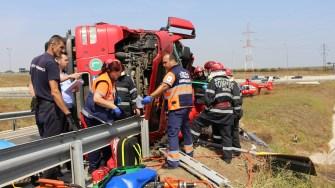 Accident cu TIR răsturnat la intrare pe autostrada A4. FOTO Adrian Boioglu