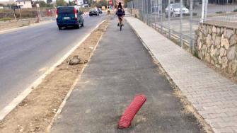 Tuburi pentru cabluri pe pista de biciclete de la Năvodari