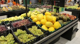 Fructe în supermarket. FOTO Adrian Boioglu