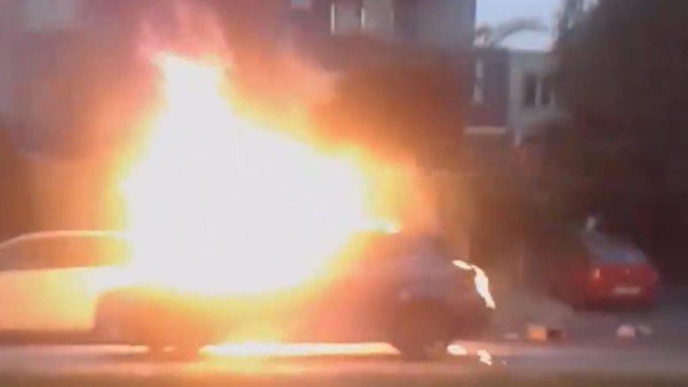 Incendiul a cuprins o mașină pe bulevardul Mamaia