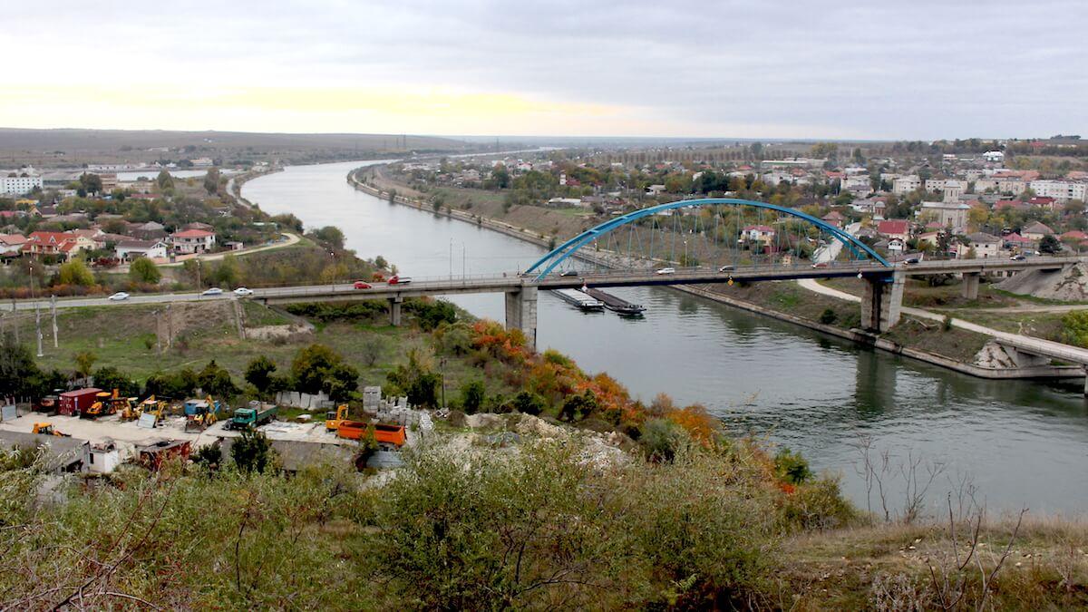 Canalul Dunăre – Marea Neagră și podul de la Murfatlar. FOTO Adrian Boioglu