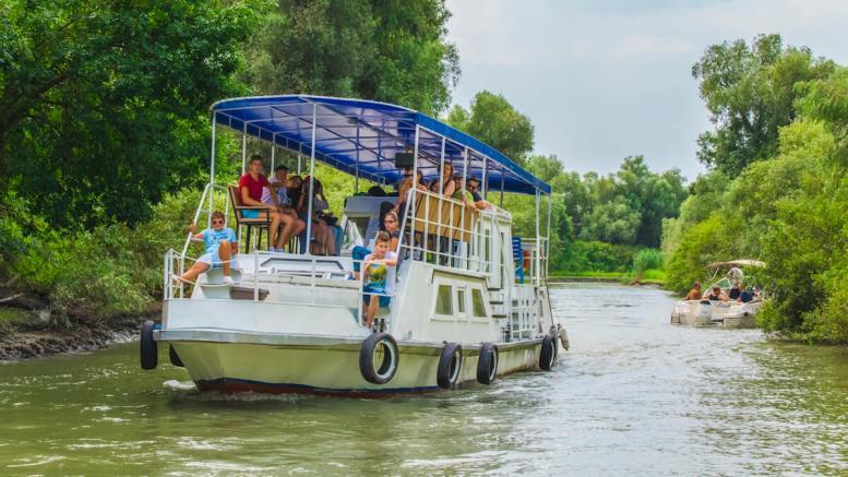 Plimbare cu vaporașul în Delta Dunării. FOTO ALDD