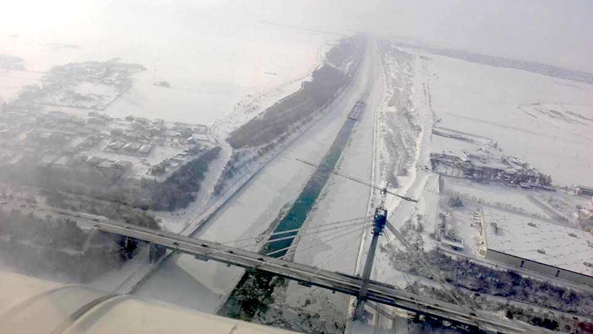Podul de la Agigea și Canalul Dunăre Marea Neagră înghețat