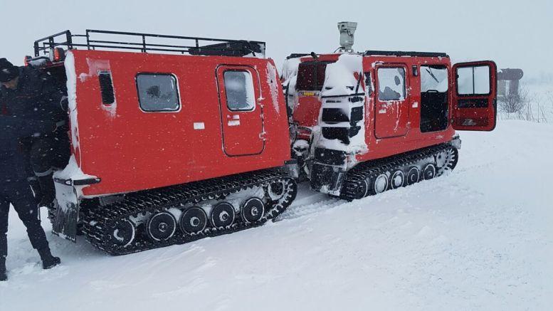 Salvare cu șenilata prin zăpadă