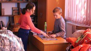 Copii la bibliotecă. FOTO Adrian Boioglu