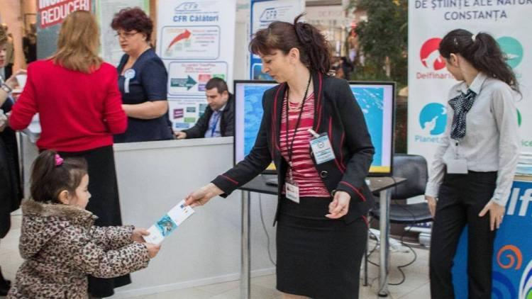 """Delfinariul Constanța la Târgul de Turism """"Vacanța"""" 2017"""