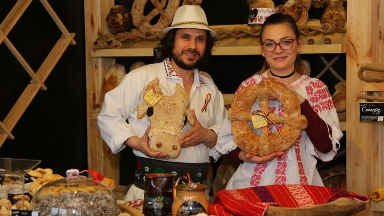 """Florin Dinică și soția lui la """"Moara Veche"""" din Constanța. FOTO Ștefan Ciocan"""