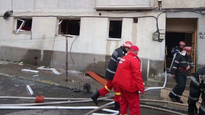 Explozie într-un bloc din Constanța. FOTO ISU Dobrogea