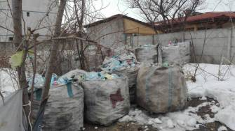 Hoți din tomberoanele de reciclabile