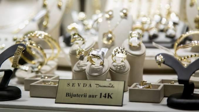 Bijuterii la Sevda Diamonds Constanța. FOTO Ștefan Ciocan