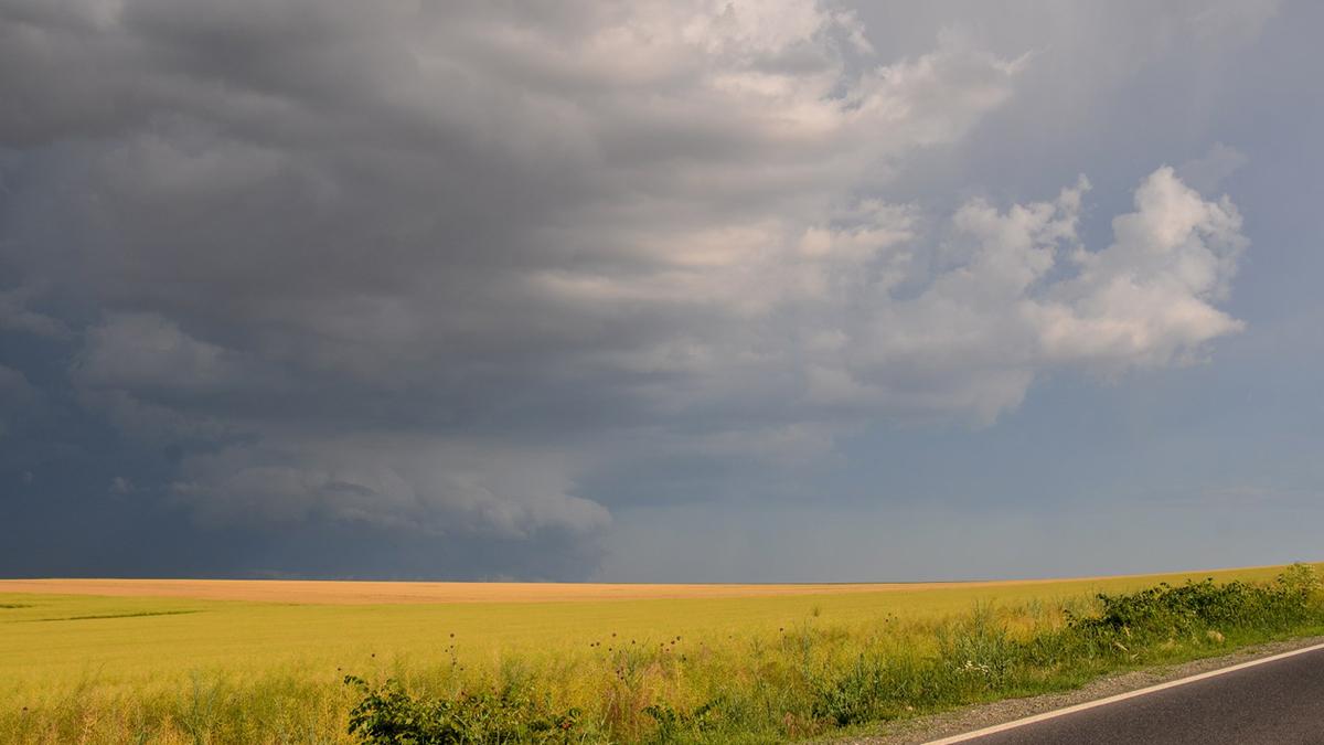 Nori de furtuna (10)