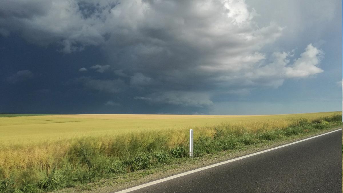 Nori de furtuna (4)