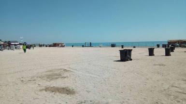 Plaja Neversea, curățată de echipele Polaris M Holding. FOTO Polaris