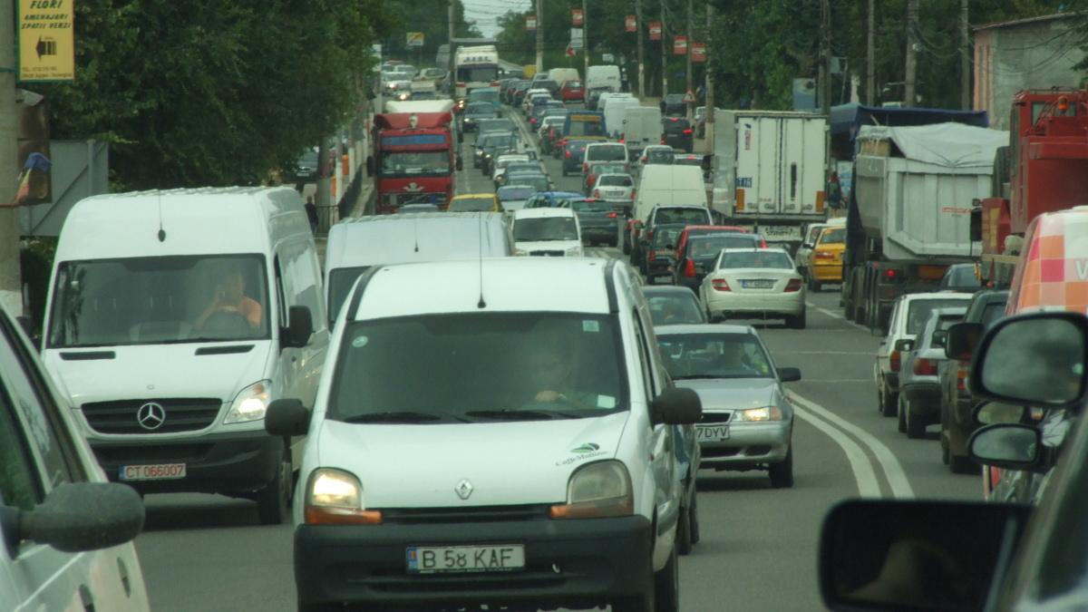 masini trafic aglomerat (9)