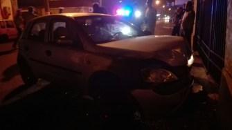 În urma unei neacordări de prioritate, două mașini s-au ciocnit. FOTO SAJ Constanța