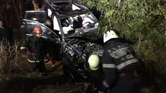 Pompierii au intervenit la locul accidentului