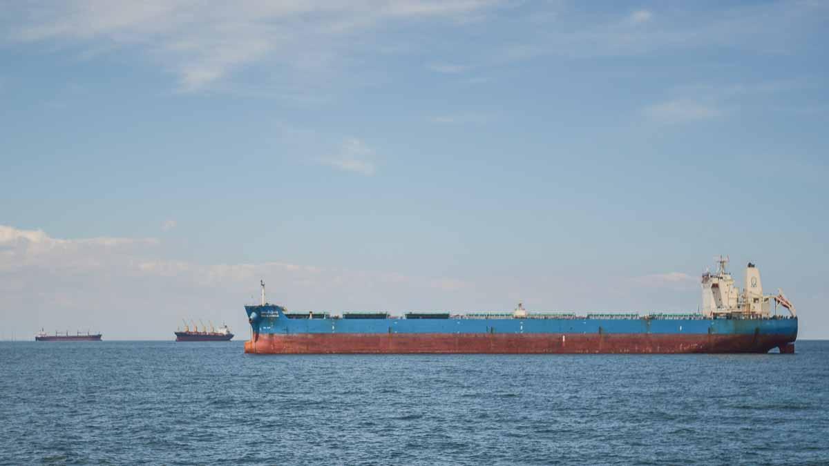 Nave comerciale in rada exterioara a Portului Constanta (5)